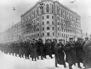 Fresh forces going to the front, December 1941 By RIA Novosti archive, image #429 / Oleg Ignatovich / CC-BY-SA 3.0, CC BY-SA 3.0, https://commons.wikimedia.org/w/index.php?curid=16790863